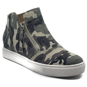 Steve Madden Caliber Camo Print Wedge Sneakers